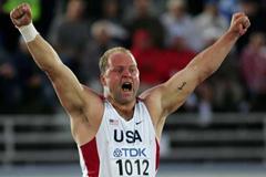Adam Nelson celebrates a new season's best 21.73m in Helsinki's Shot Put final (Getty Images)