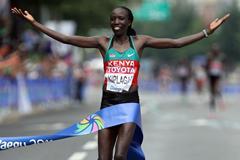 Edna Kiplagat triumphs in Daegu (Getty Images)