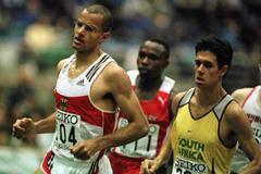 Action shot of the men's 800m final (© Allsport)