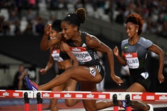 Keni Harrison wins the 100m hurdles in a world record of 12.20 at the IAAF Diamond League meeting in London (Kirby Lee)