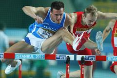 Emanule Abate of Italy and Maksim Lynsha of Belarus compete in the Men's 60 Metres Hurdles first round during day two - WIC Istanbul (Getty Images)