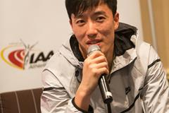 Liu Xiang speaks to the press in Monaco (Philippe Fitte / IAAF)