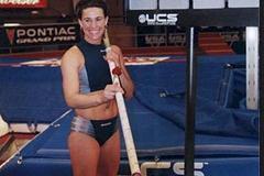 Stacy Dragila at the scoreboard (anthony r. jones@2001)