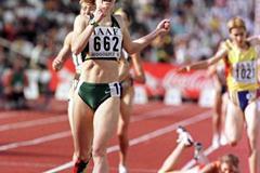 Georgie Clark wins the 800m in Bydgoszcz (© Allsport)