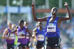Kenya's Robert Biwott wins the 1500m at the FBK Games in Hengelo (Erik van Leeuwen)