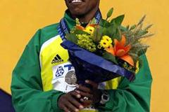 Haile Gebrselassie with Edmonton 10,000m bronze (Getty Images)
