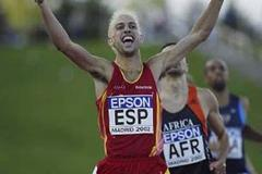 Antonio Reina wins the men's 800m (Getty Images)