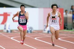 Ryota Yamagata defeats Yoshihide Kiryu in the 100m at the Japanese Championships (Getty Images)