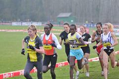 Veerle Dejaeghere in the leading pack at the Iris Lotto Cross Cup in Brussels (Nadia Verhoft)