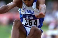 Andrew Besozzi (ITA) jumping at the 2001 World Youth C hampionships (Getty Images)