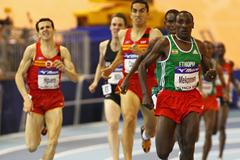 Deresse Mekonnen of Ethiopia heads for the finish line (Getty Images)