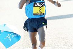 Runaway victory by Tsegaye Kebede at the Great North Run (Mark Shearman)