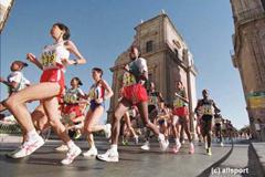 Scenes from Palermo (© Allsport)