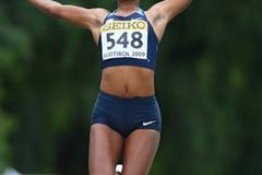 Jennifer Clayton of USA on her way to bronze (Getty Images)