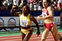 800m Final - Maria Mutola and Stephanie Graf (© Allsport)