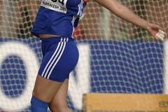 Bianca Perie of Romania on her way to victory in the Girls' Hammer final at the World Youth Championships (Getty Images)
