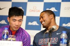 Xie Wenjun and David Oliver at the press conference ahead of the IAAF Diamond League meeting in Shanghai (Errol Anderson)
