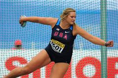 Bronze medal winner Shelbi VAUGHAN of USA in action in the Girls Discus Throw final - Day Four - WYC Lille 2011 (Getty Images)