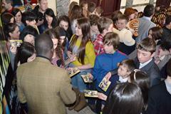 Paul Tergat signing autographs (Organisers)