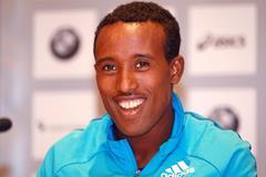 Tsegaye Mekonnen at the press conference ahead of the Frankfurt Marathon (Victah Sailer)