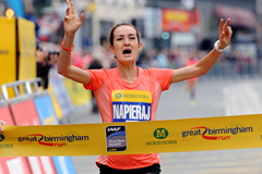 Dominika Napieraj wins the Great Birmingham Run (Mark Shearman)