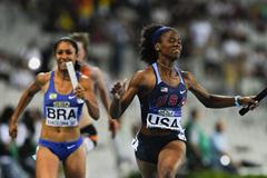 Shayla Sanders of United States (R) wins the Women's 4x100 metres Relay Final on the day five of the 14th IAAF World Junior Championships in Barcelona on 14 July 2012 (Getty Images)