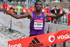 Nguse Amlosom wins the Rock'n'Roll Lisbon Half Marathon Vodafone RTP (Organisers / Photorun.net)