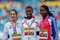Gold medalist Nnenya HAILEY of USA (c) celebrates with silver medalist Sarah CARLI of Australia (l) and Bronze medalist Zurian HECHAVARRIA of Cuba after the Girls 400 metres Hurdles final - Day Four - WYC Lille 2011 (Getty Images)