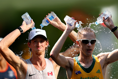 Race Walk Water ()