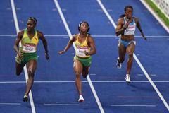 Shelly-Ann Fraser of Jamaica en route to winning her first World Championship 100m title (Getty Images)