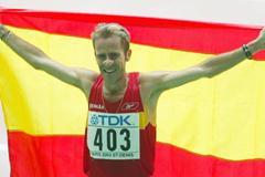 Julio Rey celebrates winning silver in the men's marathon (Getty Images)