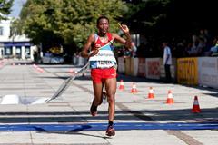 Zersenay Tadese winning at the 2012 IAAF World Half Marathon Championships (Getty Images)