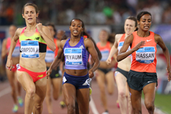 Jenny Simpson comes through to win the 1500m at the IAAF Diamond League meeting in Rome (Gladys von der Laage)