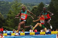 Hillary Kipsang Yego and Peter Kibet Lagat of Kenya in action (Getty Images)