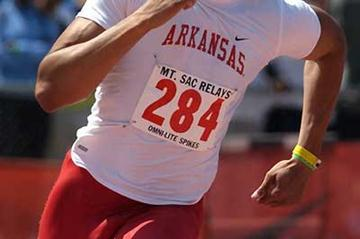 Wallace Spearmon, Jr., speeds to 19.97 clocking in Mt SAC (Kirby Lee)