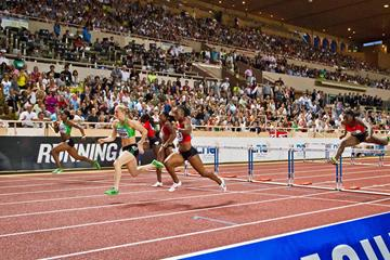 Sally Pearson on her way to victory in Monaco (Philippe Fitte)