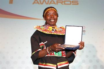 Kenya's Tegla Loroupe receiving the Promotion of Fair Play Award in Lausanne (Giancarlo Colombo)