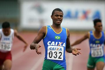 Hederson Estefani winning at the 2009 South American Junior Champs (Marcelo Ferrelli/CBAt)