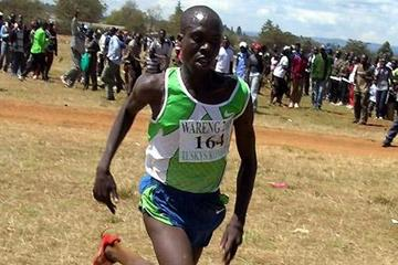 Hosea Macharinyang on his way to victory in 2009 Wareng Turskys Cross Country (David Macharia)
