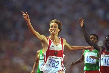 Dieter Baumann wins the 1992 Olympic 5000m gold (Getty Images)