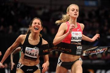 Hannah England edges Sara Hall to win the Women's Mile at the 2010 Millrose Games (Kirby Lee)
