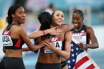 The victorious US women's 4x800m team at the IAAF World Relays (Getty Images)