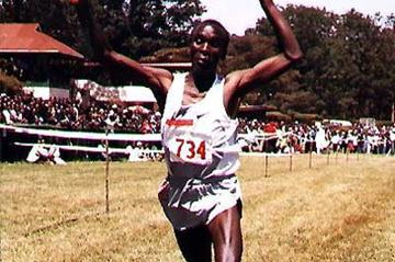 Eliud Kipchoge wins the long race at the 2005 Nairbobi XC (Okoth)
