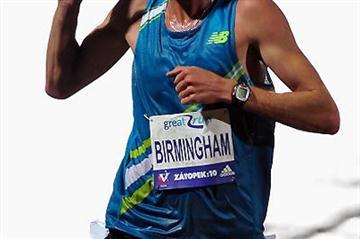 Collis Birmingham wins the 2009 Zatopek 10,000m in Melbourne (Getty Images)