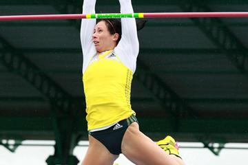 Jenn Suhr wins the Pole Vault at the 2013 IAAF Diamond League in New York (Victah Sailer)