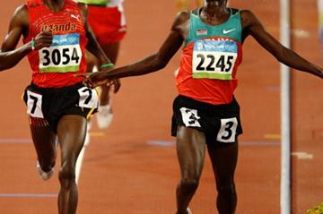 Edwin Soi wins the second heat of the men's 5000m (Getty Images)