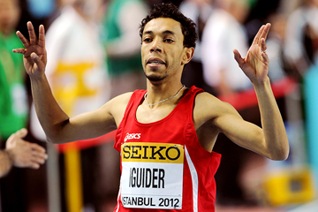 Abdalaati Iguider wins the world indoor 1500m title (AFP / Getty Images)
