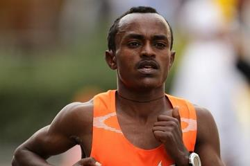 Tsegaye Kebede en route to a 2:05:18 personal best and Japanese all-comers record in Fukuoka (Takefumi Tsutsui/AgenceSHOT)