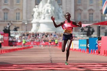 Mary Keitany takes a second straight London Marathon victory (Getty Images)