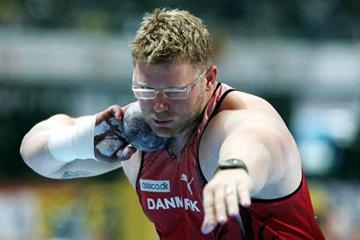 Joachim Olsen (DEN) leads the qualifiers in the men's Shot Putt in Madrid (Getty Images)